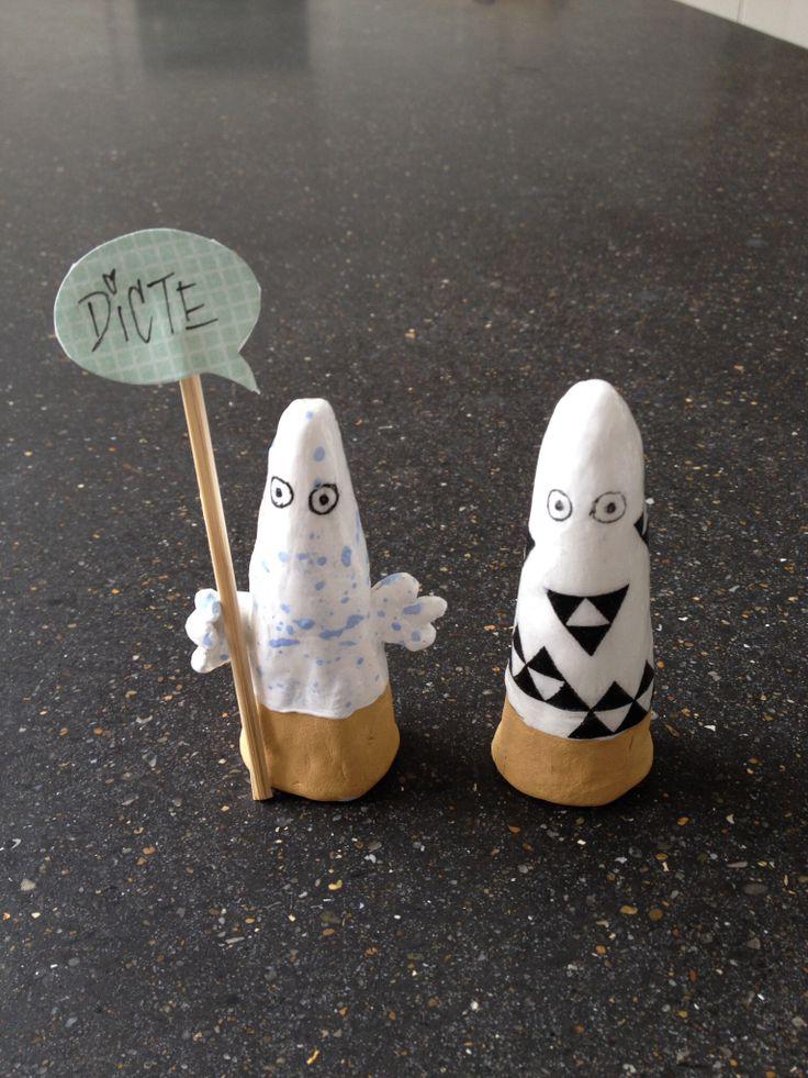 Ghosts in clay, for place cards - Spøgelser i ler, til bordkort.