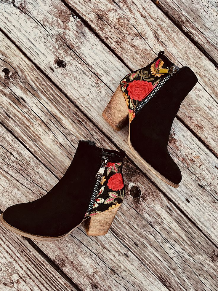Perfect with any fall outfit! Love these boots from Robbie + Co.
