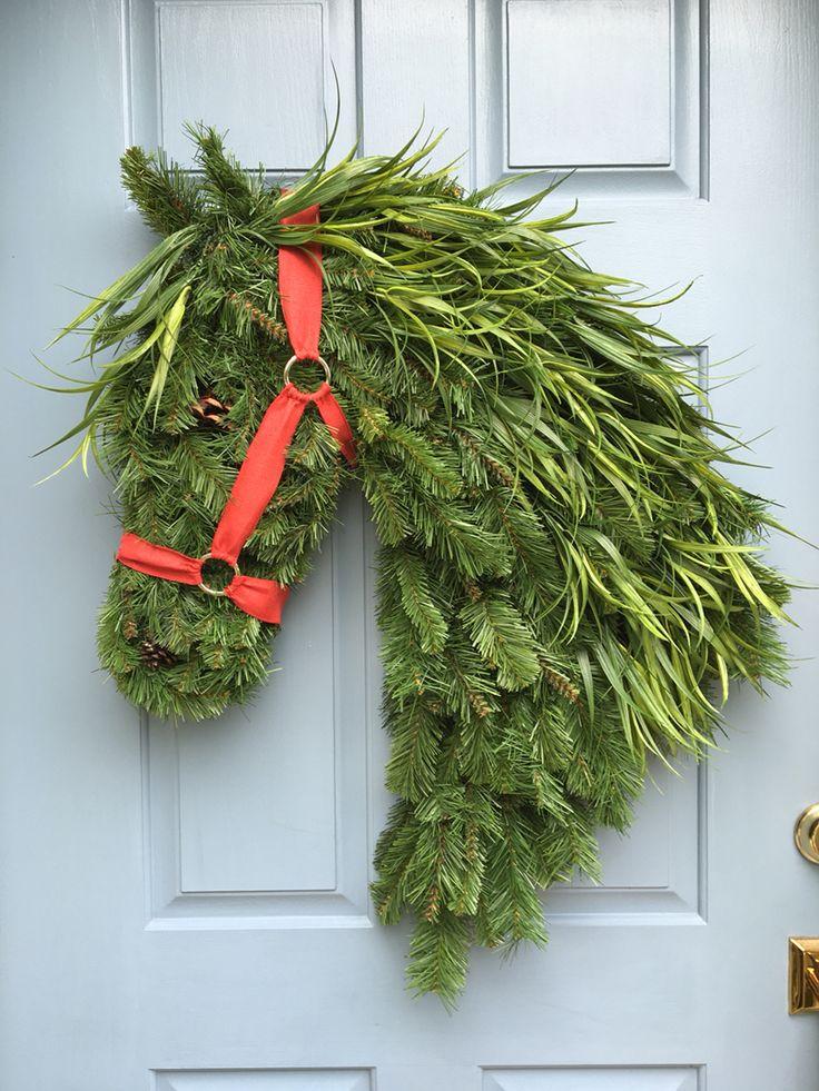 horse head wreath 2016 more - Horseshoe Christmas Wreath