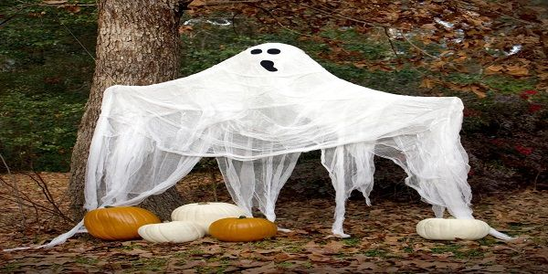 Outdoor halloween decoration ideas with simple halloween decoration and traditional halloween decoration also creepy halloween decoration and homemade halloween decoration ideas for yard