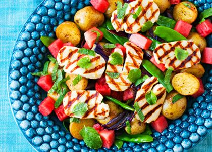 Den här rätten kan du göra året om med delikatesspotatis. Halloumin kan du byta ut mot en köttig god korv eller grillad kyckling/kött.
