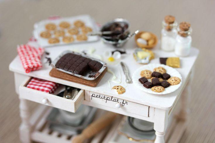 Miniature Baking Day Table by ~PetitPlat on deviantARTTiny Things, Miniatures Baking, Miniatures Food, Miniatures Kitchens, Petitplat, Kitchens Tables, Food Art, Minis Baking, Food Miniatures