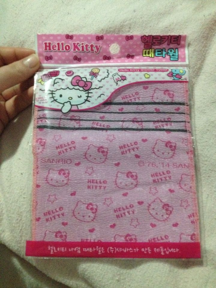 Hello kitty massage towel
