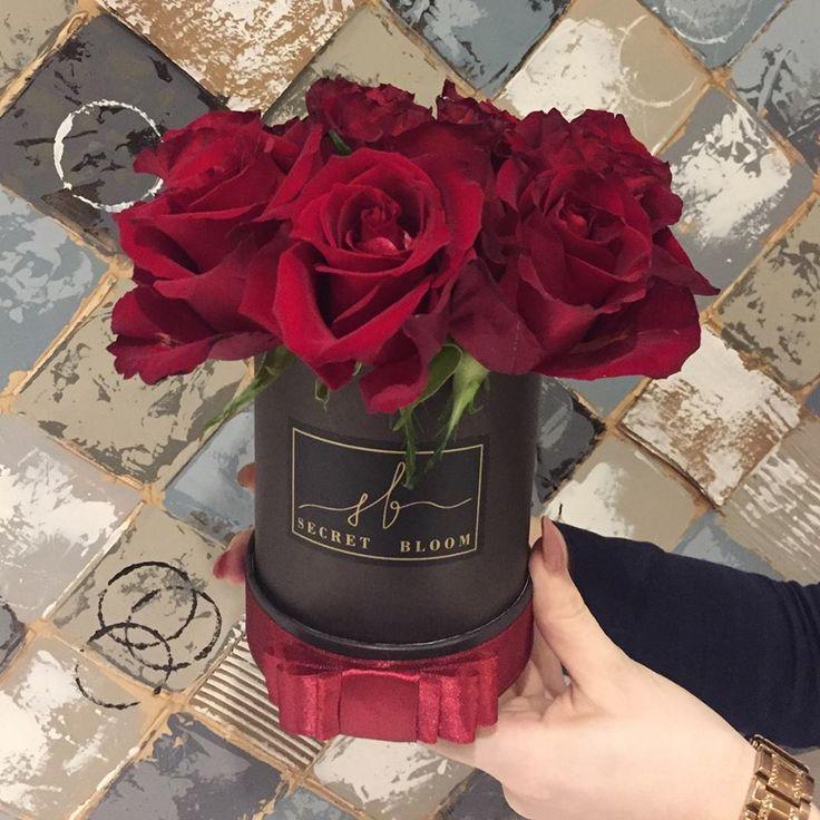 Red Roses Luxury Roses Black flower Box Secret Bloom Boxes Luxury