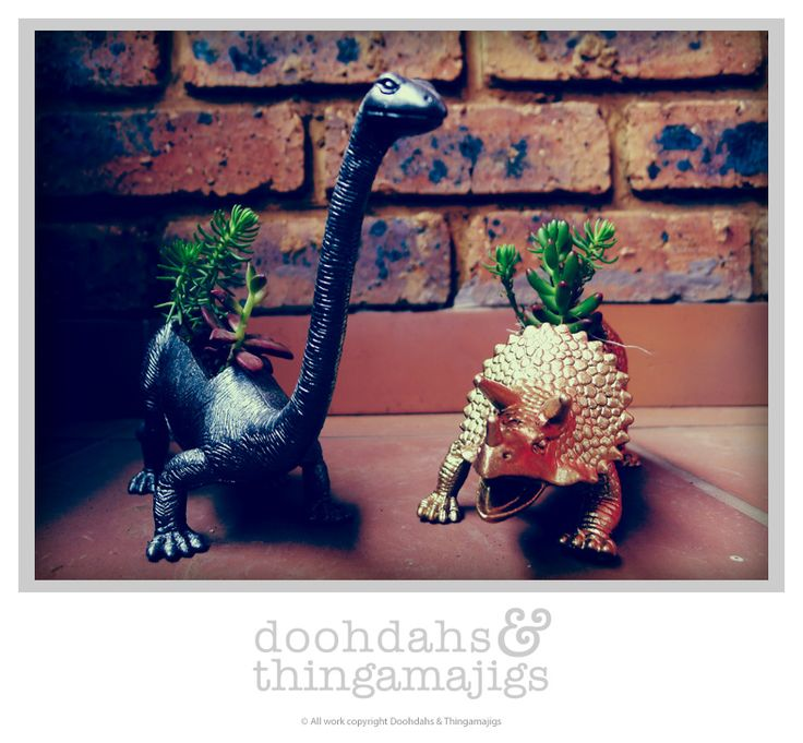 Doohdahs & Thingamajigs attempt at the famous planters ;)
