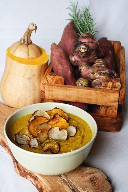 Crema di zucca e cece piccino delle crete senesi con chips di patata dolce e topinambur