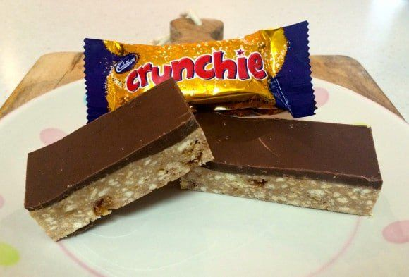Are you a fan of Crunchie bars? Then you're totally going to love this easy no-bake Chocolate Crunchie Slice! Ready in just 10 minutes!