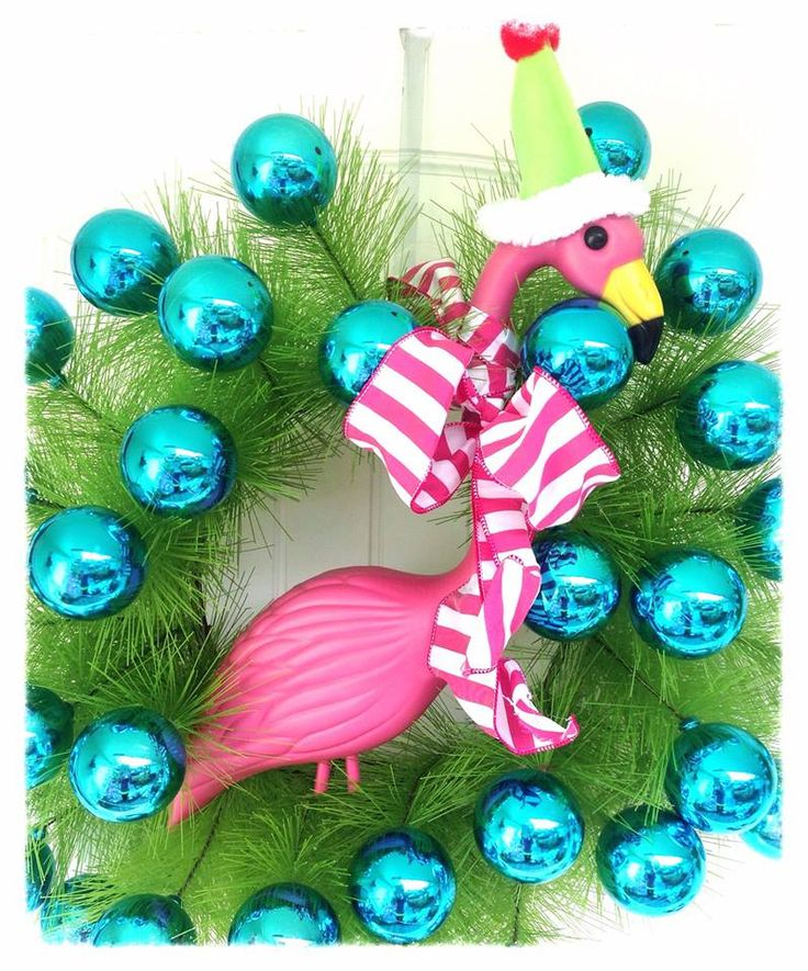 Fun Florida flamingo wreath. By Snappy Turtle via FB: https://www.facebook.com/Snappy.Turtle.Delray.Beach
