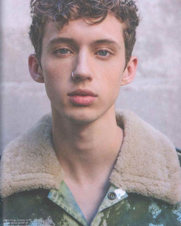 Troye Sivan in Tmrw magazine
