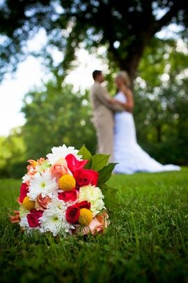 Cute wedding picture with bridal bouquet--if I have a pretty bouquet (working on it) @Vintage Fairytale Flick Cook