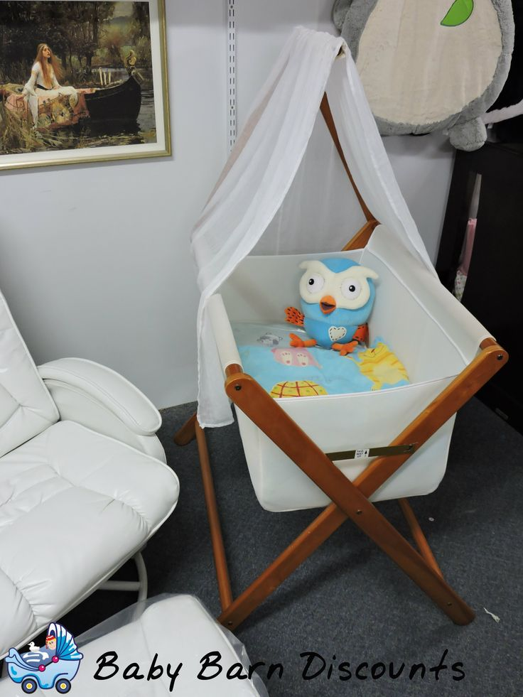 Mothers Choice Coco Bassinet (Baltic) is a classic style bassinet / cradle which can be conveniently folded away for storage. The 100% cotton fabric allows excellent ventilation which is ideal for warmer climates keep baby comfortably snug.