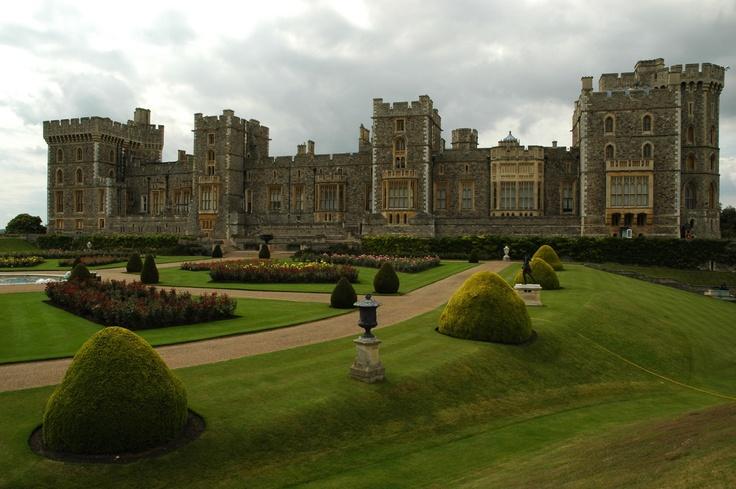 Windsor castle #london #mustsee #accorcityguide The nearest Accor hotel : Mercure Castle Windsor