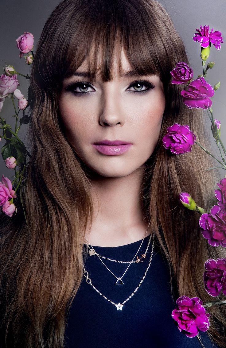 make-up, beauty, glam, jewelry, fashion, pink lips, flowers, smoky eyes
