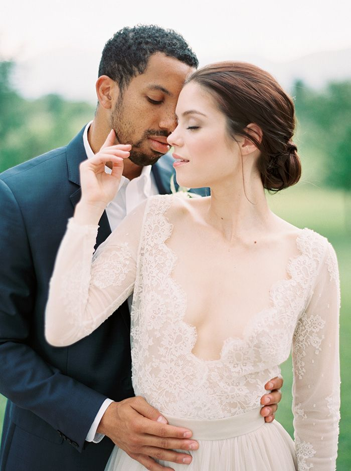 Classic Southern Wedding Photos with a Scalloped Lace Dress