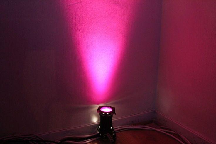 Les 25 meilleures id es de la cat gorie lampe halog ne sur for Eclairage neon interieur