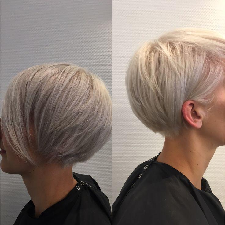 platinablonde hair, short hair