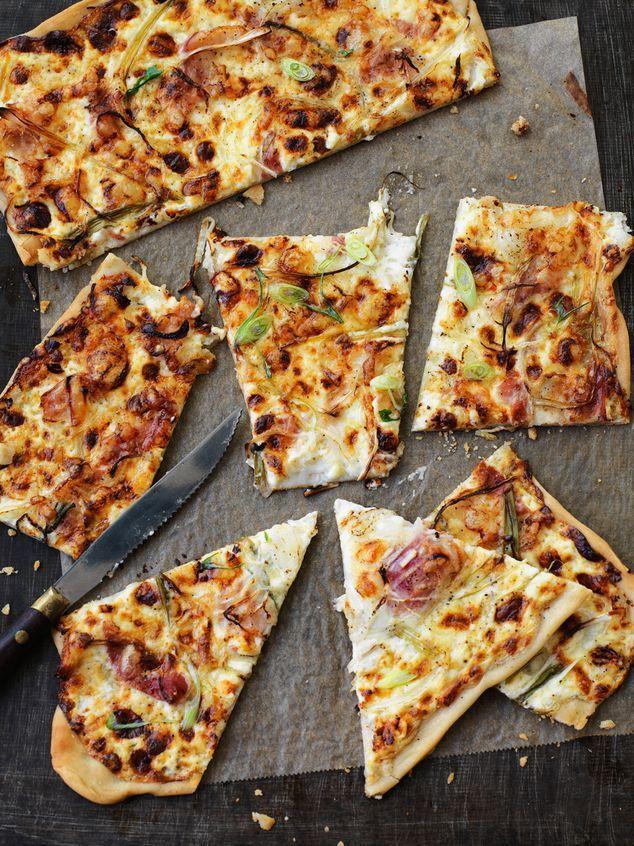 Flammkuchen met Pancetta en Lente-ui