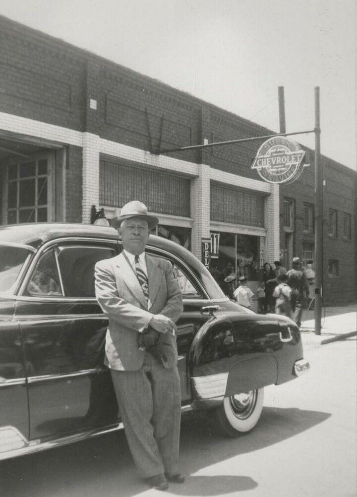 1951 Bud White Motors Chevrolet Dealership Iola Kansas Chevrolet Dealership Chevrolet Vintage Cars