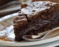 Fondant au chocolat noir et fromage blanc 0% sans matières grasses : http://www.fourchette-et-bikini.fr/recettes/recettes-minceur/fondant-au-chocolat-noir-et-fromage-blanc-0-sans-matieres-grasses.html