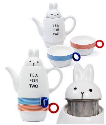 Bunny tea set. Cute!