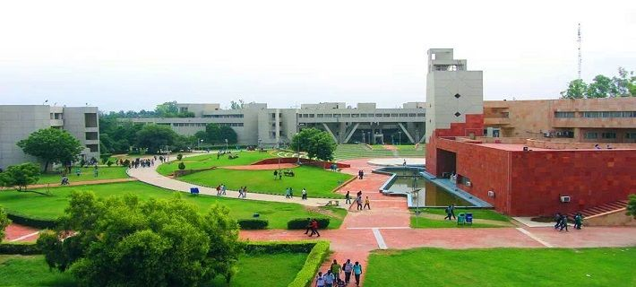 Top 10 Best Universities in India for all College Pass out to Join!