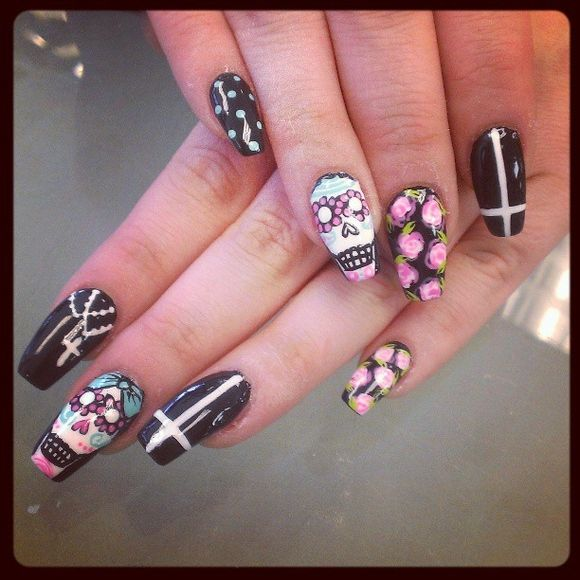 sugar skull nail designs | 41-amazing-sugar-skull-nail-- - Best 25+ Cross Nail Designs Ideas On Pinterest Pretty Nails