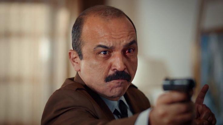 Dört Köşe Filminin yep yeni Fragman İzle Dört Köşe Filminin Konusu: İstanbul'da herhangi bir gün... Nev-i şahsına münhasır dört karakter, bir nezarethane... Ve bir plan! Aynı gece, aynı nezarethanede bulunan Aşkın, Emel, İrfan ve Muzo haksız yere gözaltına alınmışlardı. Bu onların yaşadığı ilk haksızlık da değildi üstelik! Peki ne yapacaklardı?...   #ahmet sancak #ayça erturaN #ayhan taş #burak satıbol #dört köşe #dört köşe fi