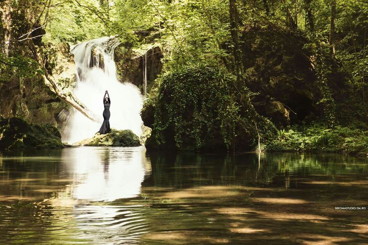 #waterfall #photoshoot #allgreen #blackdress #nature #forest #intothewoods