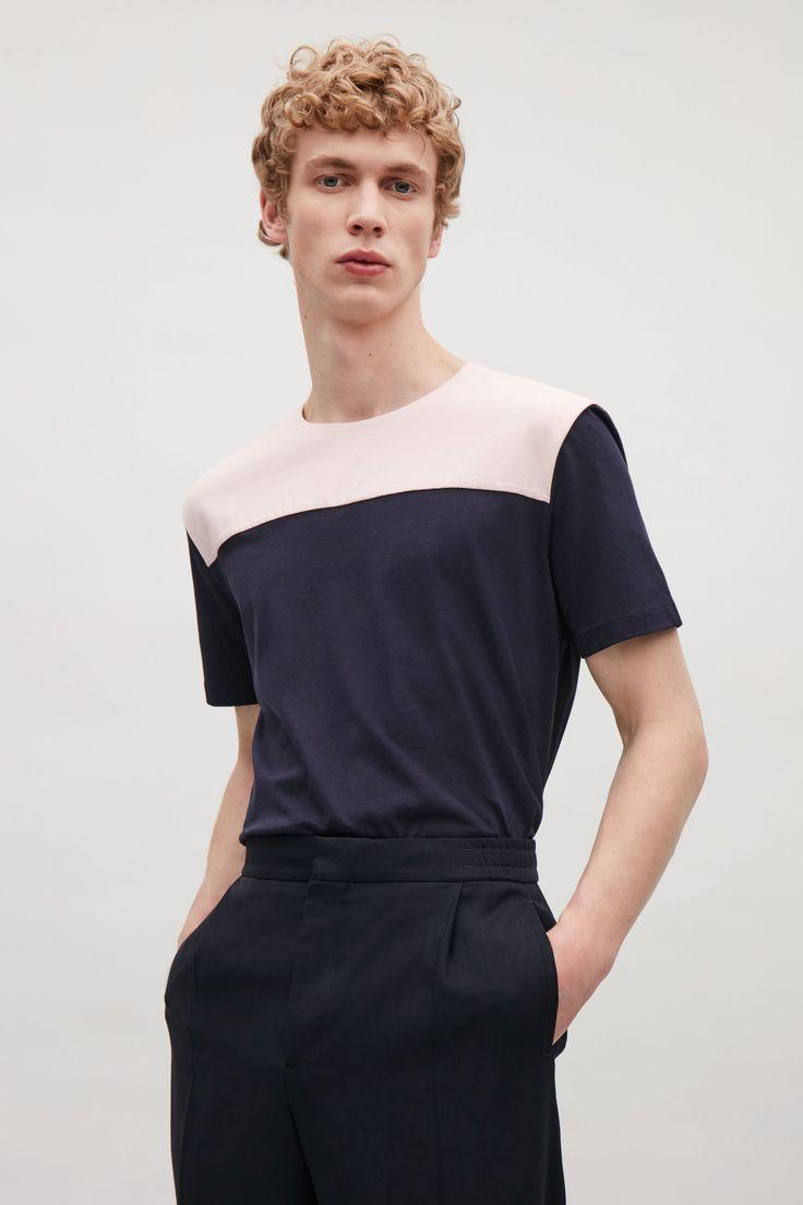 COS | Colour-block t-shirt in Peach