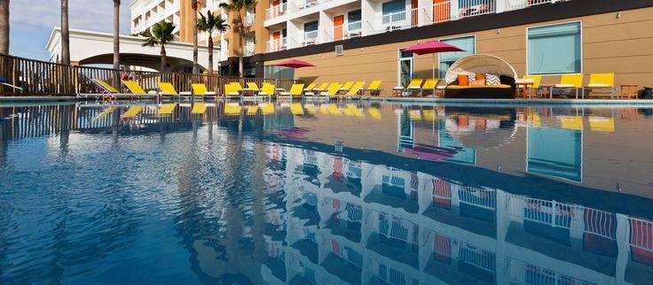 DoubleTree by Hilton Hotel Galveston Beach Hotel, TX - Outdoor Pool