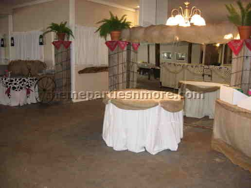 74 best burlap weddin images on pinterest table centers wedding cute way to drape burlap on round tables mom junglespirit