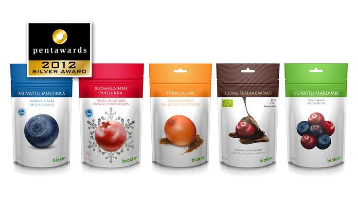 Biokia - Suklaamarjat, kuivatut marjat, marjapakasteet, marjajauheet: tuotesarjan pakkaussuunnittelu