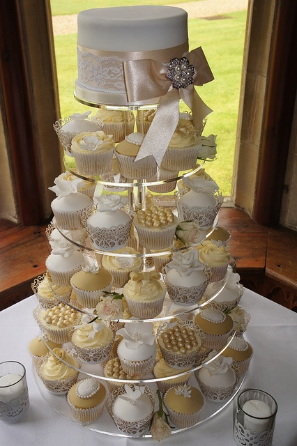 mini wedding cakes shipped best 25 vintage cupcake ideas on vintage 17430