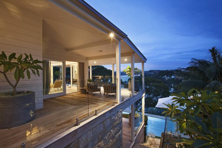 This Open House in Quakers Hat Bay, Sydney offers the ultimate sanctuary just a few kilometres away from the hustle and bustle of the city.