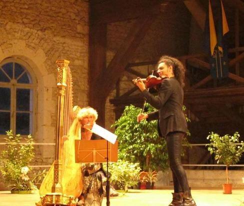 Marielle Nordmann (harpe) et Nemanja Radulovic (violon) ont offert un somptueux concert au public de Pontlevoy.