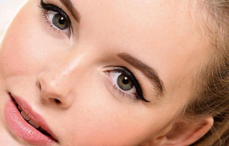 Heb je kleine ogen? Een chronisch slaaptekort? Of wil je je ogen extra groot laten lijken? Dat kan, met een beetje make-up magic!