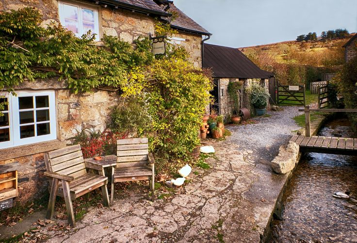 Rugglestone Inn, Dartmoor by James Gray / 500px