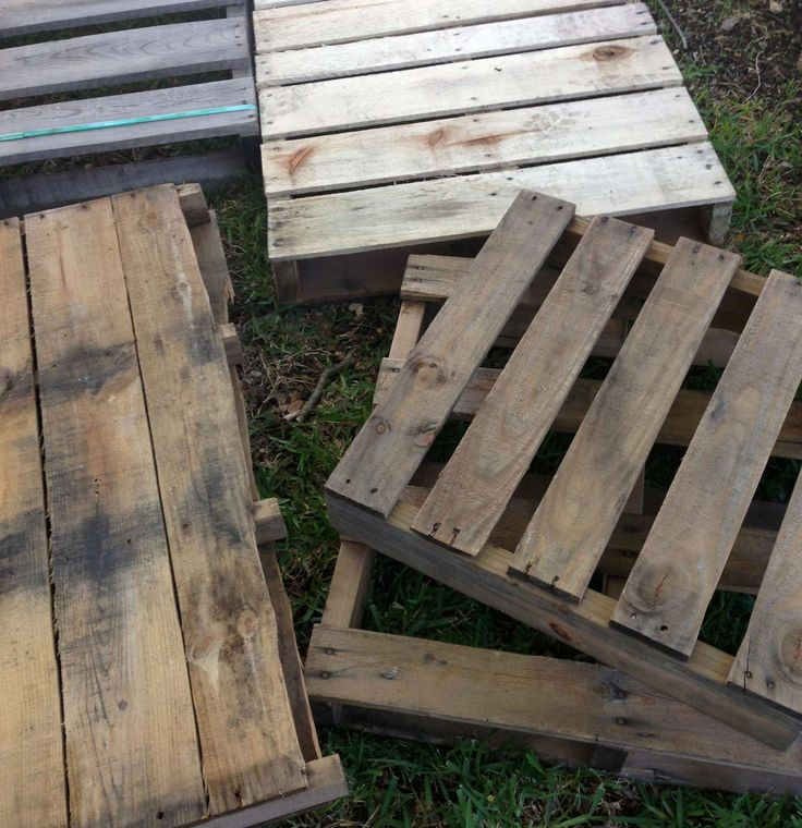 How To Deconstruct A Pallet The Easy Way:  Commonly, people use a crowbar to pry apart and deconstruct a pallet. We tried this method, but found the results less than satisfying. The wood splinters easily and breaks, and this method is very hard on your back.    We recently found a much