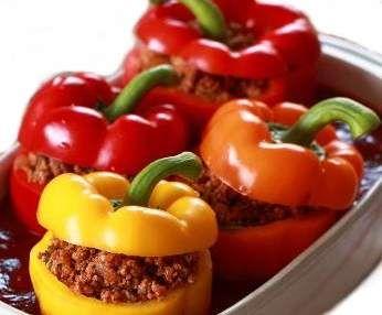 Rezept Paprikaschoten (mit Hackfleisch gefüllt) von PThermo - Rezept der Kategorie Hauptgerichte mit Fleisch