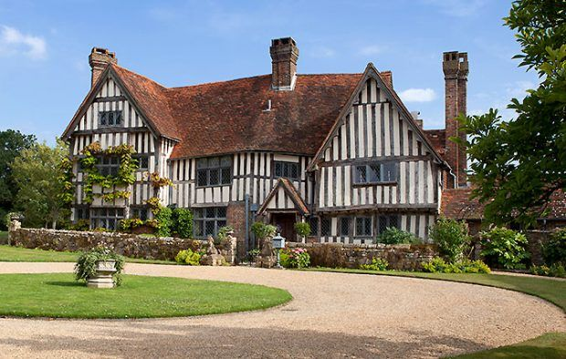 A Miraculously Preserved 16th Century Manor House In A Quiet Backwater On The Outskirts Of Weymouth Country Life England Houses Manor House Fancy Houses