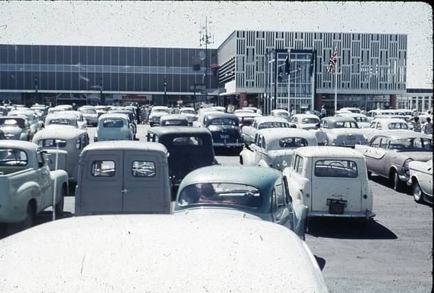 Boans Morley opening - this burnt down in the 80's If i recall - on the site where the underground carpark of the Galleria now sits.