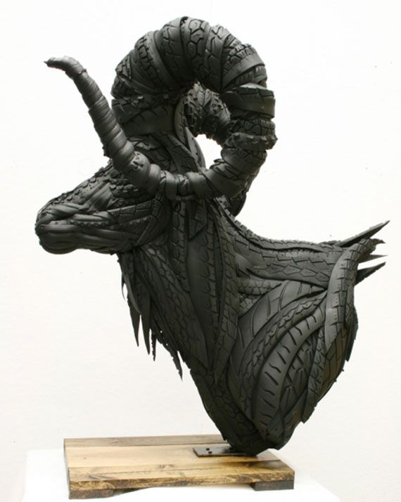 Yong Ho Ji - Sculptures made from recycled tires