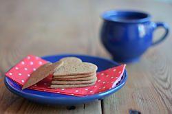 Glutenfria pepparkakor. De är både lätta att baka och äta och du kan även doppa de i kaffet så där mumsigt ;) #glutenfritt #glutenfri #glutenfree #dairyfree #recept #recipe #glutenfreerecipe