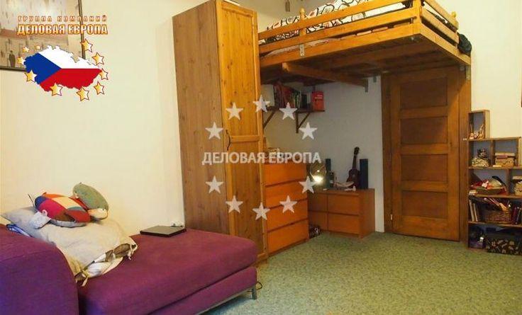 НЕДВИЖИМОСТЬ В ЧЕХИИ: продажа квартиры 1+1, Прага, U Křížku, 106 000 € http://portal-eu.ru/kvartiry/1-komn/1+1/realty300/  Предлагается на продажу квартира 1+1 площадью 45 кв.м в районе Прага 4 – Нусле стоимостью 106 000 евро. Квартира расположена на первом этаже шестиэтажного дома и состоит из гостиной с кухней с плитой, холодильником и печью, кладовой, ванной комнаты с душевой кабиной и стиральной машиной, спальной комнаты, прихожей, небольшого чердака и отдельного санузла. На улице перед…