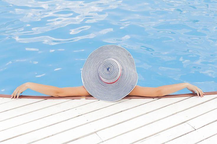 Rodzina: Jak skutecznie odpocząć - http://kobieta.guru/jak-skutecznie-odpoczac/ - Wakacje to czas urlopów i wyjazdów. Teoretycznie powinien być przeznaczony na odpoczynek i regenerację. W praktyce nie zawsze się to udaje.   Niekiedy nie możemy wyrwać się z pracy, a niektórzy pracę wezmę ze sobą choćby na drugi kraniec globu. Podrzucamy więc kilka rad, jak skutecznie odpoczywać. Polecamy zabrać je ze
