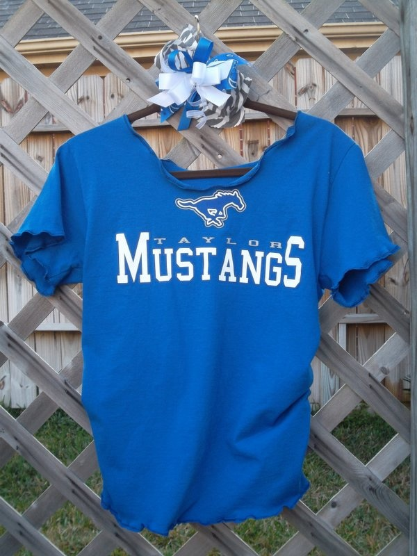1000 images about diy ideas to dress up your spiritwear for Diy school spirit shirt