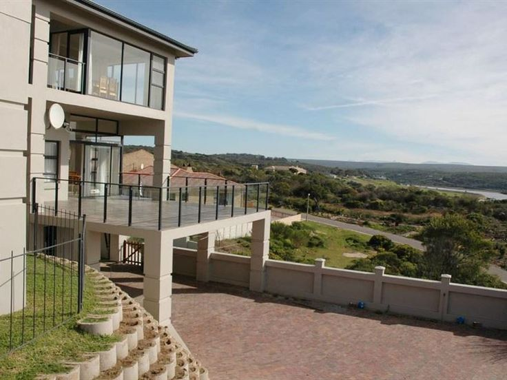 3 Bito Close - Located high on the banks of the Goukou River, 3 Bito Close offers the ideal accommodation choice to large groups or families visiting the coastal village of Still Bay in the Western Cape.  This spacious ... #weekendgetaways #stilbaai #southafrica