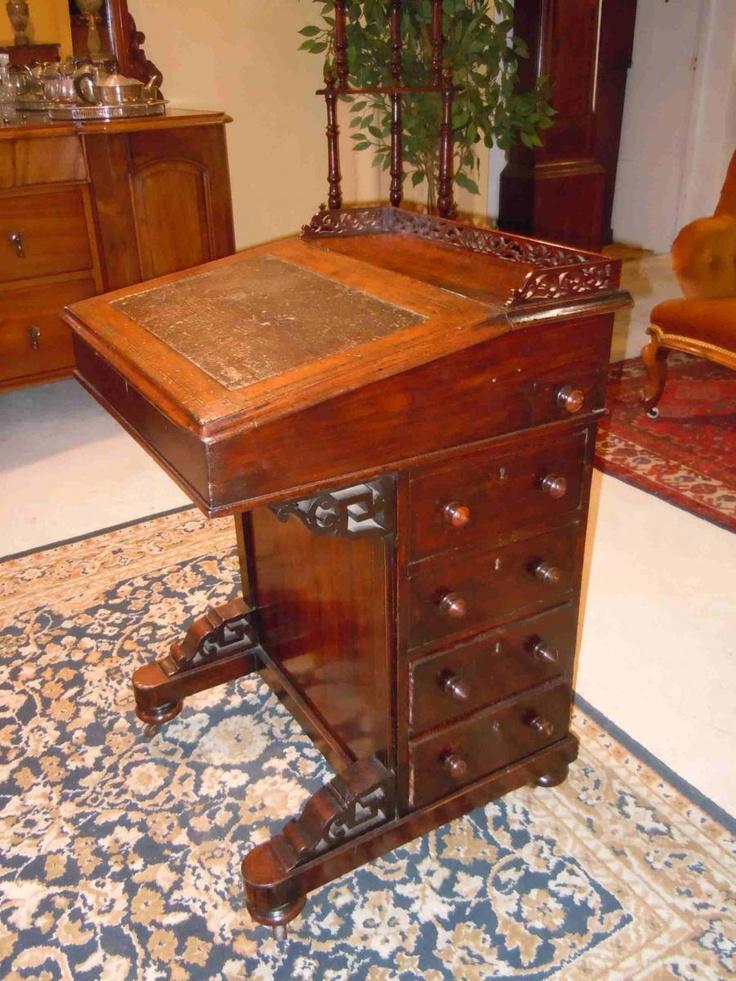 Davenport desk vintage et cabinet de curiosites p le - Meuble cabinet de curiosite ...