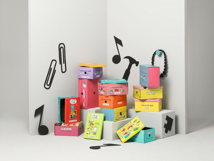 Foldable carton boxes in lovely colours with french design. You find them at dixie.se