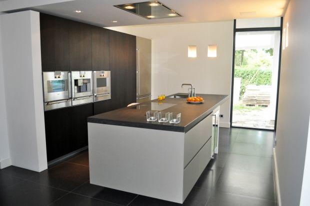 17 best images about italiaans design keuken italian design kitchen modern kitchen on - Keuken in lengte ...